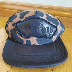 "Vans off the Wall Leopard ""Trucker hat"""